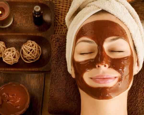 ¿Cual es la forma correcta de usar una mascara facial?